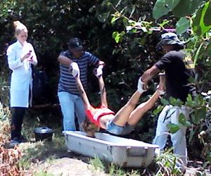 Adolescente é encontrada morta em mangue com marcas de esganadura
