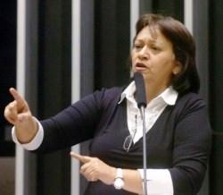 Fátima Bezerra admite ao prefeito eleito de Carnaúba dos Dantas que vai concorrer ao Senado