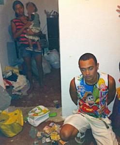 Dupla é presa com droga para vender no São João de Monte Alegre