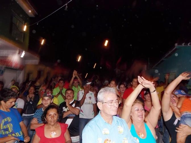 Comício relâmpago dos vereadores 'O Povo no Poder' ocorreu na baixada