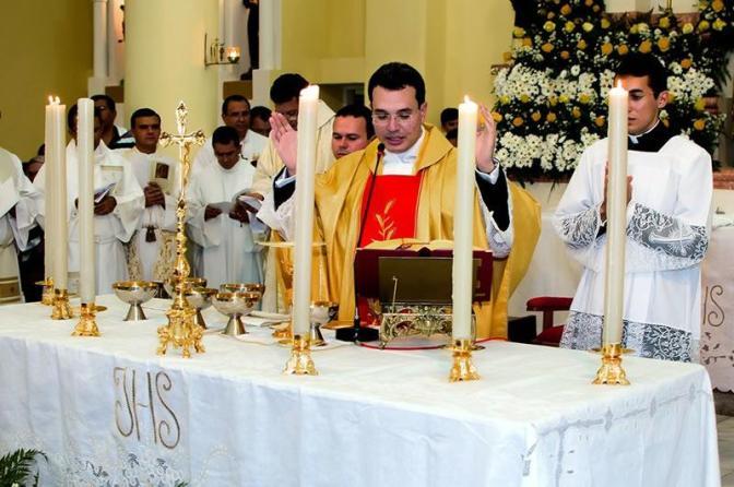 1ª Missa de João Gabriel super lota a Igreja Matriz Nossa S. da Conceição