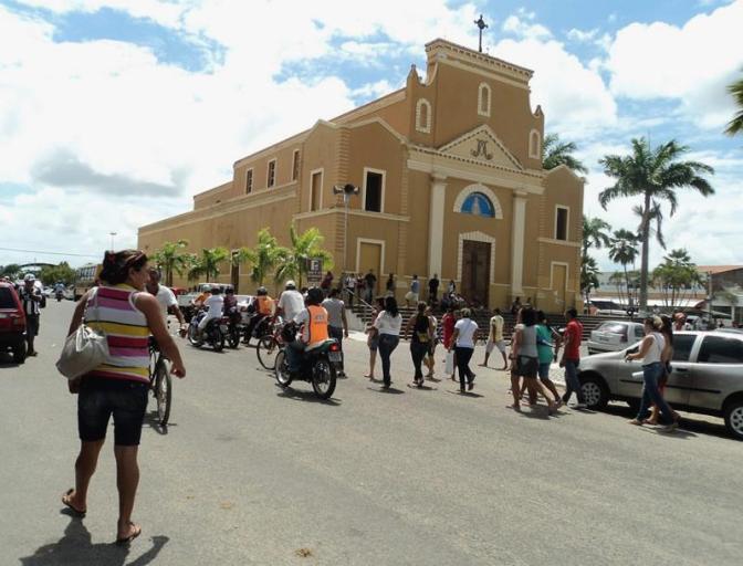 Canguaretama/RN: Servidores protestam contra demissão em massa